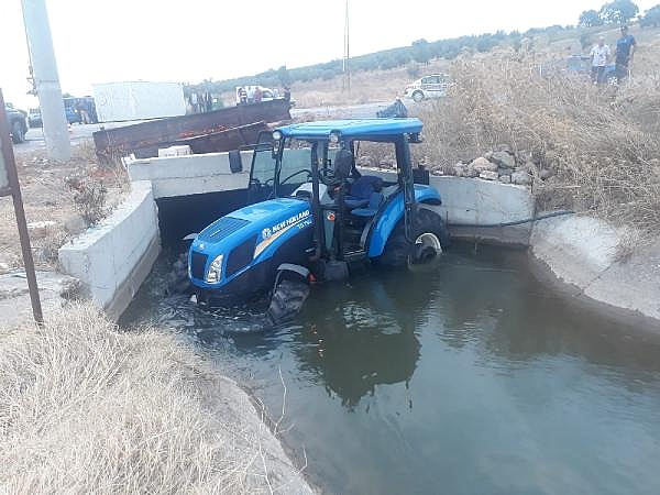 2021/09/tirin-carptigi-traktor-su-kanalina-uctu-2si-agir-5-yarali-6ff835b8ce36-1.jpg