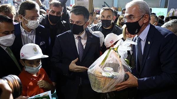 2021/10/bakan-pakdemirli-gecen-yil-tarimsal-hasilamiz-cumhuriyet-tarihi-rekorunu-kirdi-4d9255d08c83-12.jpg