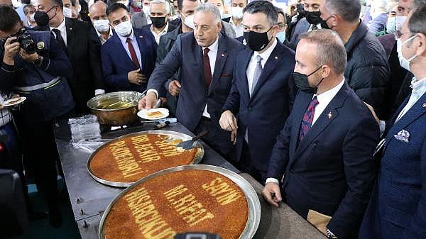 2021/10/bakan-pakdemirli-gecen-yil-tarimsal-hasilamiz-cumhuriyet-tarihi-rekorunu-kirdi-4d9255d08c83-3.jpg