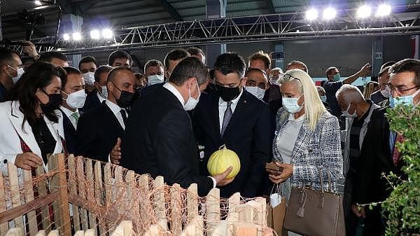 2021/10/bakan-pakdemirli-gecen-yil-tarimsal-hasilamiz-cumhuriyet-tarihi-rekorunu-kirdi-4d9255d08c83-9.jpg