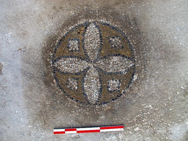 2021/10/troya-oren-yerinde-helenistik-ve-roma-donemine-ait-mozaik-bulundu-bf480b435bf4-11.jpg