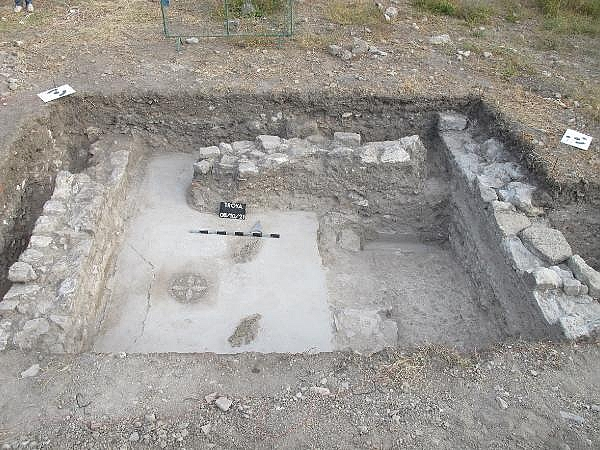2021/10/troya-oren-yerinde-helenistik-ve-roma-donemine-ait-mozaik-bulundu-bf480b435bf4-6.jpg