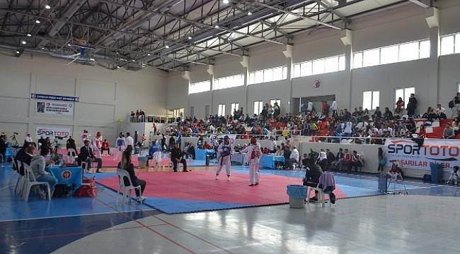 ÇOMÜ,Türkiye Üniversiteler Taekwondo Şampiyonası'na Ev Sahipliği Yapıyor