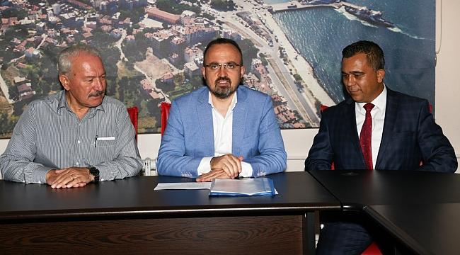 """Turan, Lapseki Belediyesi'nin Kadrolu İşçilerine; ''Sizler Burada Bizim Elimiz Ayağımızsınız"""""""