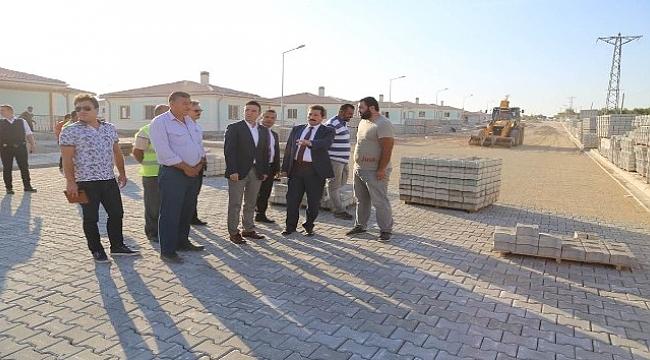 Vali Tavlı, Ayvacık-Yukarıköy'de deprem konutlarını inceledi