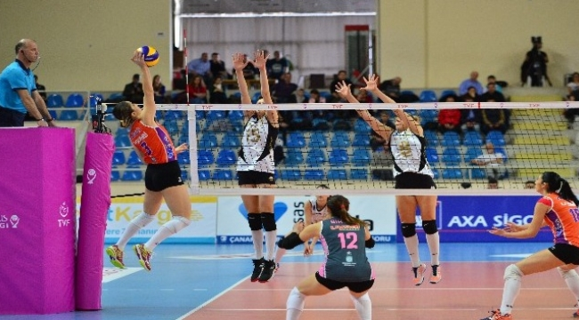 Vestel Venus Sultanlar Ligi: Çanakkale Belediyespor: 0 - Vakıfbank: 3