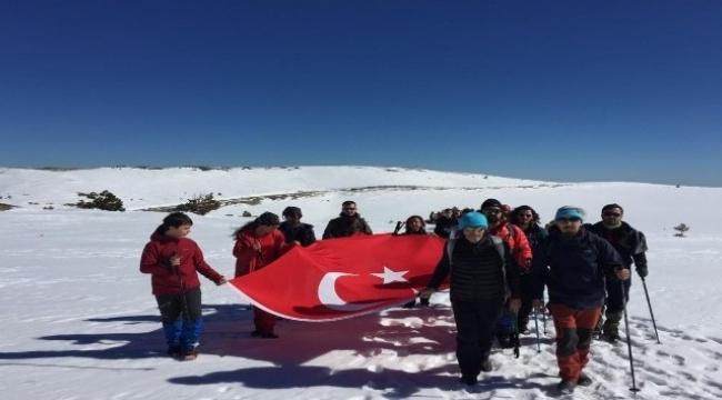18 Mart ve şehitler anısına Kazdağları'na 500 dağcı tırmanış yaptı