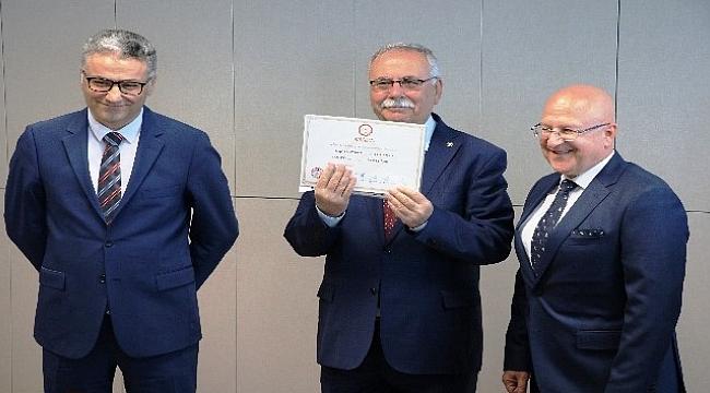 Başkan Gökhan 4. kez mazbatasını aldı