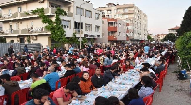 Çanakkale'de vatandaşlar iftar sofrasında buluştu