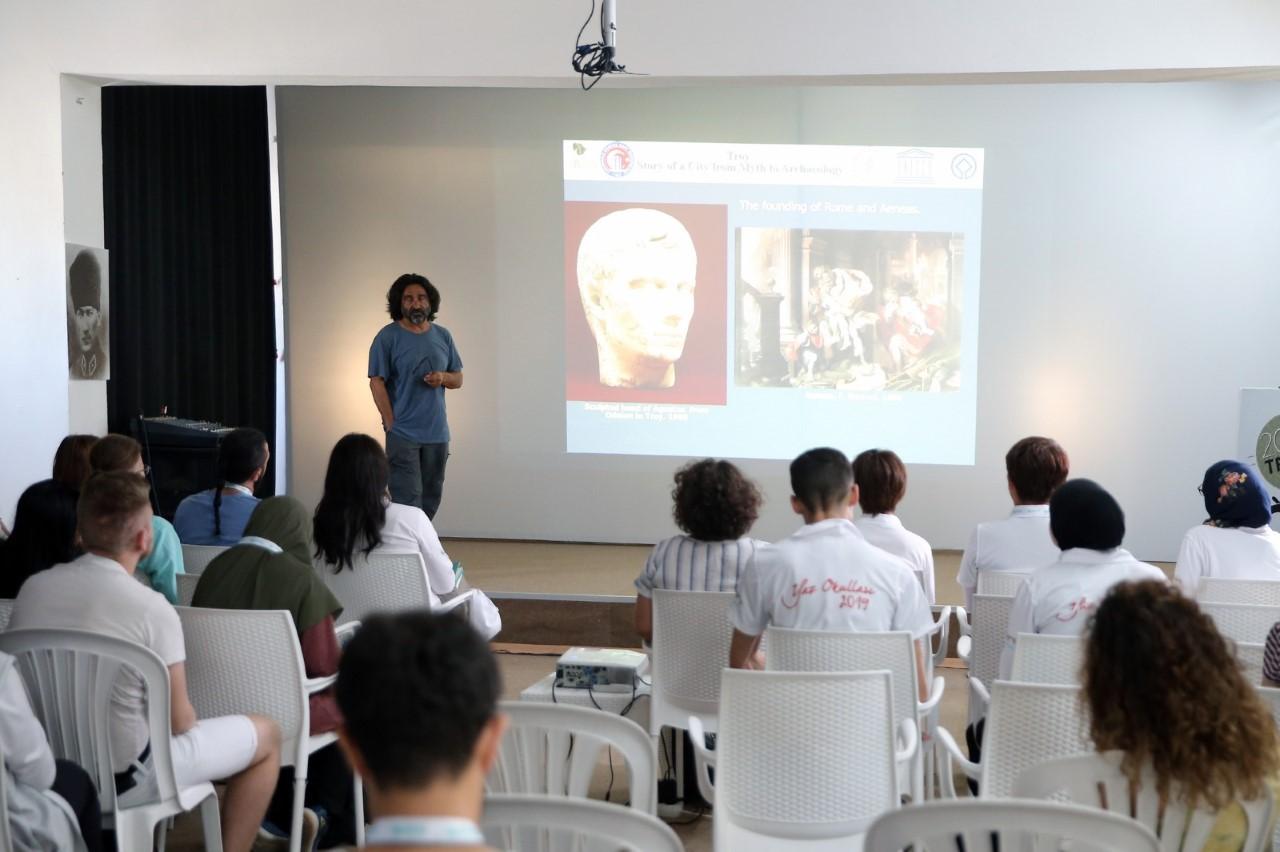 Anadolu Kültür Mirasına Yolculuk: Arkeoloji Yaz Okulu Çanakkale'den Başladı