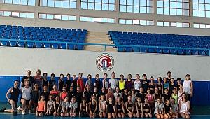 Aerobik Cimnastikçiler, Çanakkalede Gelişim Kampı  Yaptı