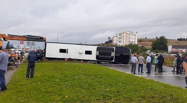 Biga'da yolcu otobüsü devrildi: 1 ölü