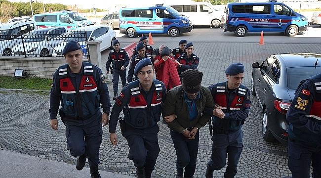 Biga'da uyuşturucu operasyonunda 3 kişi gözaltına alındı