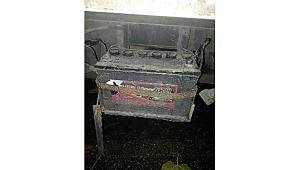 Bayramiç'te 9 araçtan akü hırsızlığının şüphelisi yakalandı